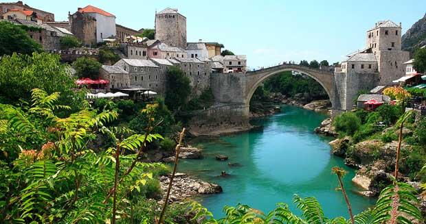 Ciudad de Mostar con su famoso puente
